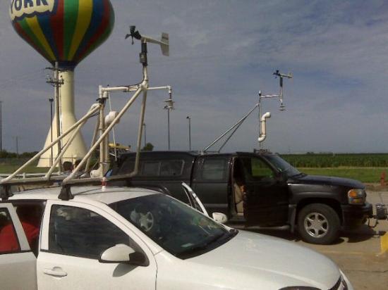 Days Inn York : Storm chasers we saw on the road in Nebraska
