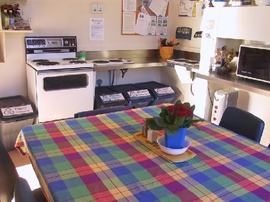 YHA Oamaru : Kitchen