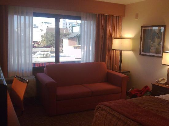 La Quinta Inn & Suites Virginia Beach: Sofa