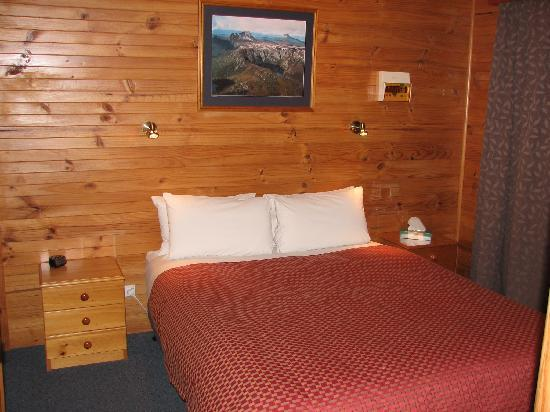 Derwent Bridge Chalets & Studios: Rufus Chalet Bedroom