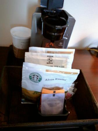 Sheraton Philadelphia University City Hotel: Starbucks coffee & tea