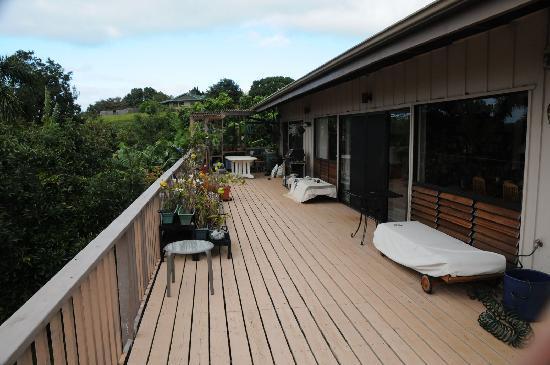 Hale Ikena Nui: back porch