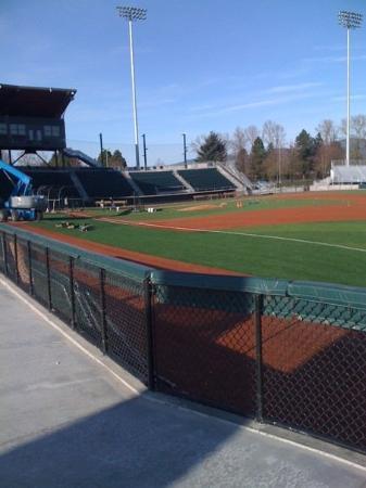 Eugene, OR: Nice baseball facility