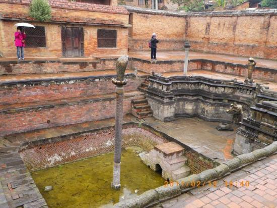 Bhaktapur, Nepal: 皇宮那嘉池(國王的浴池)