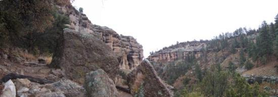 Silver City, Nouveau-Mexique : Gila National Park near the cliff dwellings - 2007