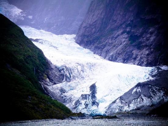 The Fox Glacier (Te Moeka o Tuawe in Māori) is a 13 km long glacier located in Westland National
