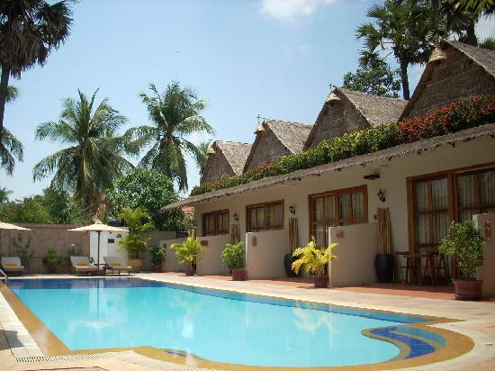 Antanue Spiritual Resort & Spa: クメールの民家調のトンガリ屋根が印象的なカバナルーム