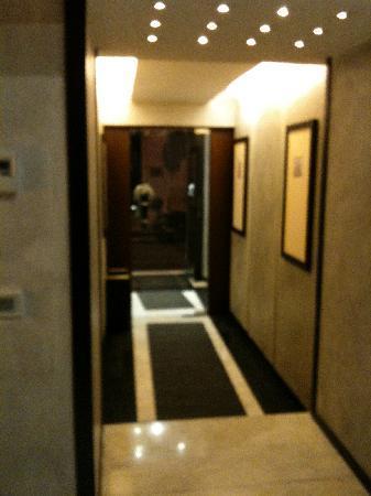 Intown Luxury House: L'entrée de l'hôtel