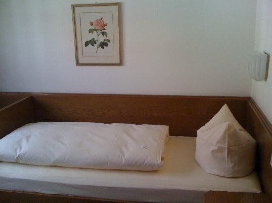 Hotel Blauer Bock: The bed