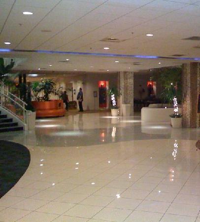 El Tropicano Riverwalk Hotel: lobby
