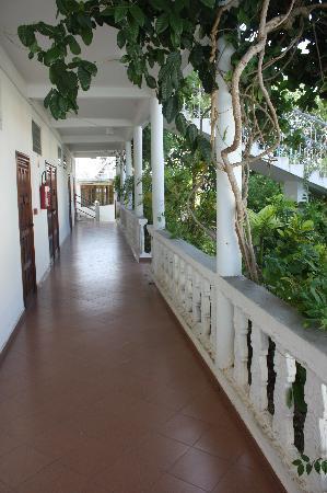 Dzaoudzi, Mayotte: Couloirs de l'hotel