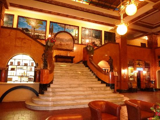 Gadsden Hotel : Expansive stained glass windows with southwest scenes