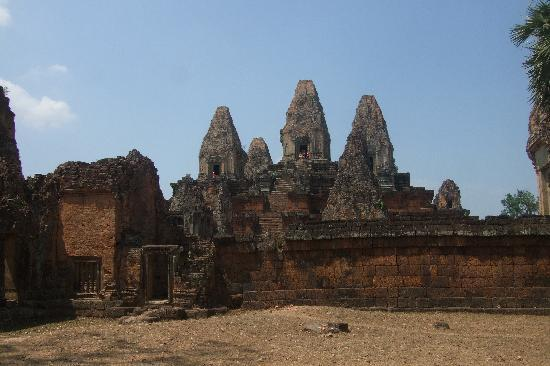 Happy Angkor Wat Tour: Pre Rup