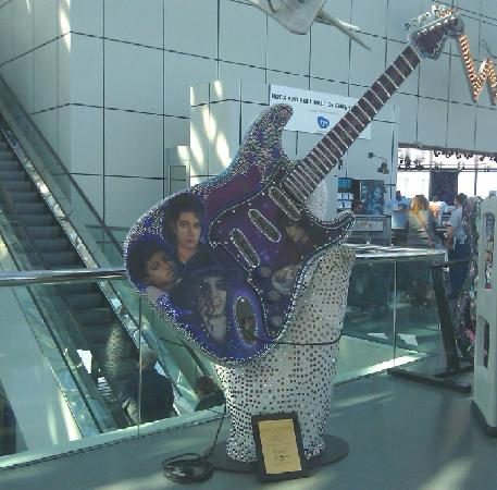Rock & Roll Hall of Fame: Michael Jackson guitar at the entrance