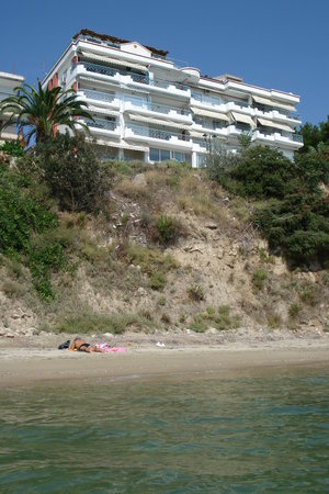 Nea Kallikratia, Greece: Beach below our apartments