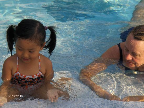 Grace Boutique Resort: Playing with the owners' daughter Grace