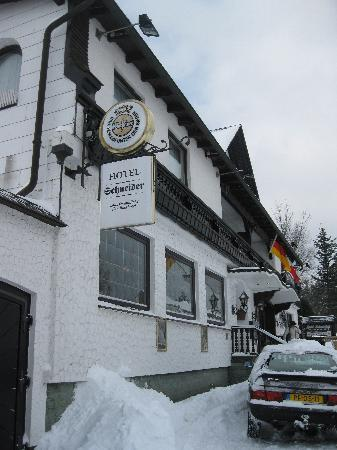 Hotel Schneider - front entrance