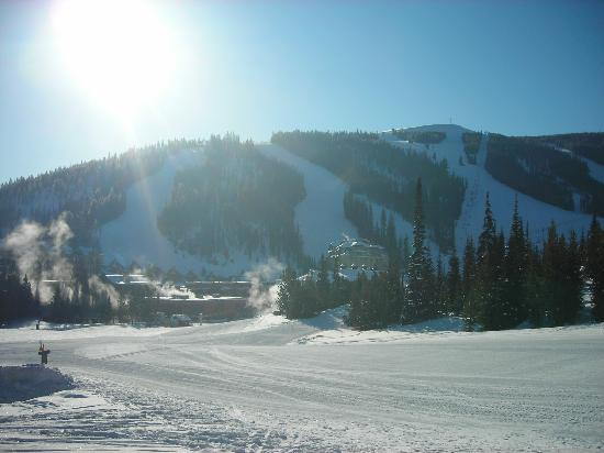 Beaverhead Condos: Ski from the front door 100 yards downhill to lift