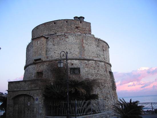 Alassio, Ιταλία: torre saracena