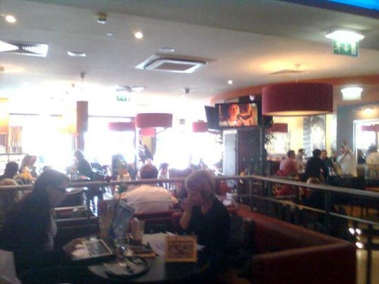 Granola - Coffee-Bistro-Lounge direkt gegenüber HBF Graz - sehr empfehlenswert für Wartezeit au