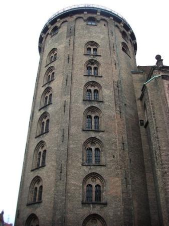 Rundetårn: Rundetaarn (The Round Tower) Built in 1637 as part of the University. The tower was the first st
