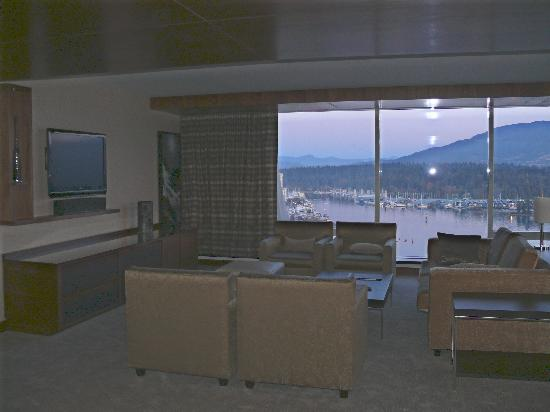 Fairmont Pacific Rim: View of Coal Harbour from Suite