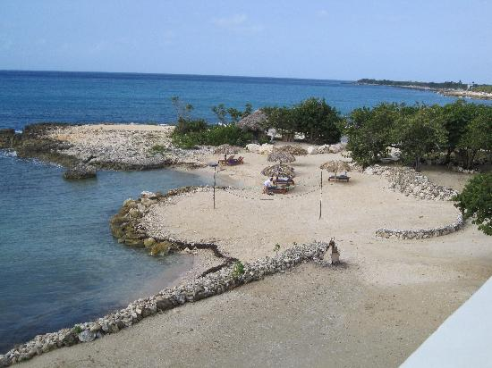 Coral Cove Resort: View from our room (Starlight)