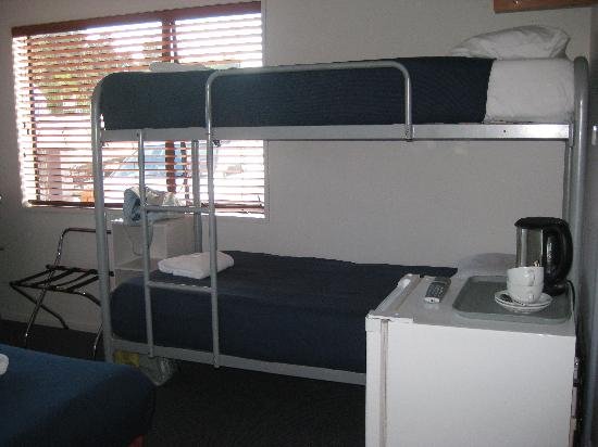 Kaiteri Lodge : bunk bed + mini fridge