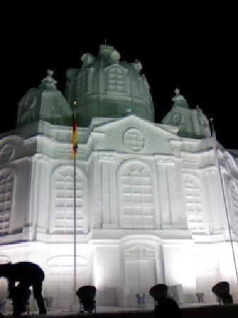 これはドイツの教会をモデルにしたものです