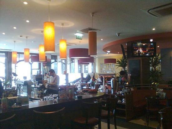 Granola - Coffe-Bistro-Lounge direkt gegenüber HBF Graz - sehr empfehlenswert für Wartezeit auf