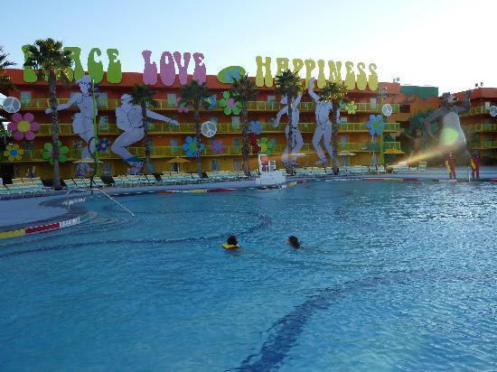 Disney's Pop Century Resort: Pool area