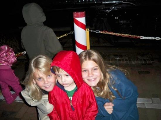 Flagstaff, AZ: The kiddos - waiting for the train