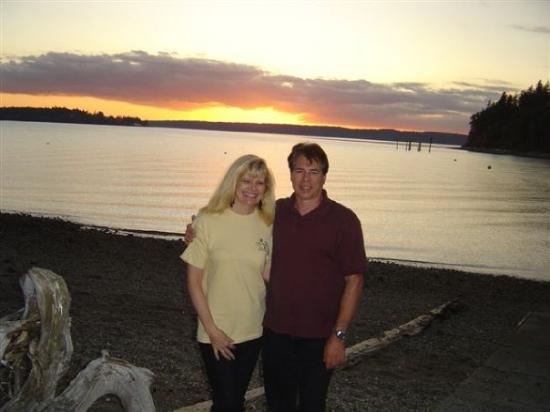 Longbranch, WA: Nice Sunset at Taylor Bay. Shirley and Dwight September 2009