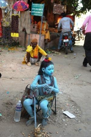 Pushkar, India: Blue boy shiva