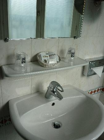 Bathroom room 108