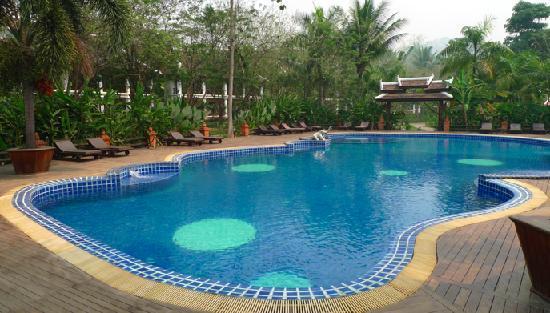 Santi Resort & Spa: Hotel Pool