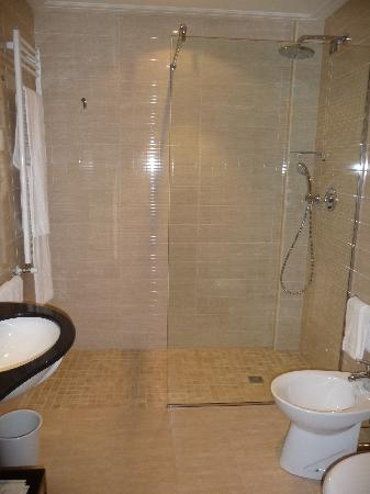 Hotel Sollievo Terme: particolari della camera deluxe