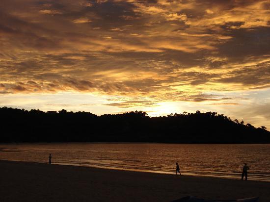 tramonto spiaggia hotel