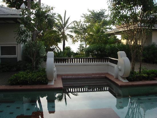 Anyavee Tubkaek Beach Resort: view from pool acces