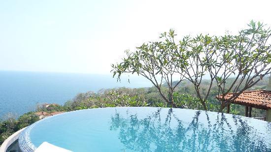 Anamaya Resort & Retreat Center : Pool Views