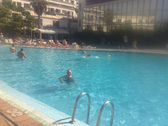 Aparthotel Caledonia Park: Pool 2