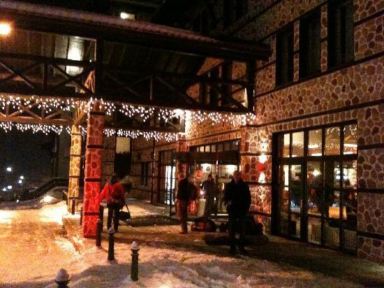 LION Hotel  Bansko: Entrance to the Hotel Lion