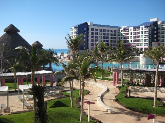 The Westin Lagunamar Ocean Resort Villas & Spa, Cancun: View from balcony, 2nd floor.