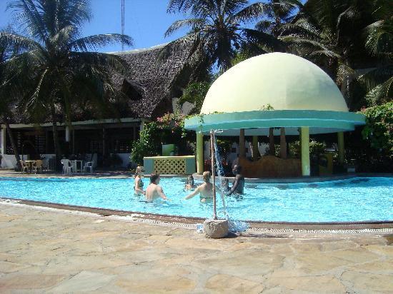 resort main pool and bar