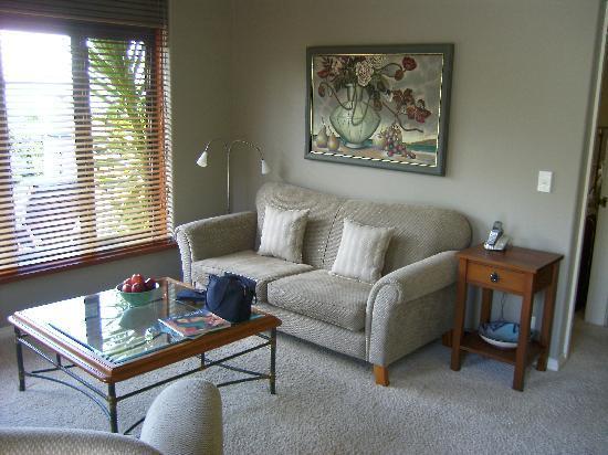 Pretty sitting room.