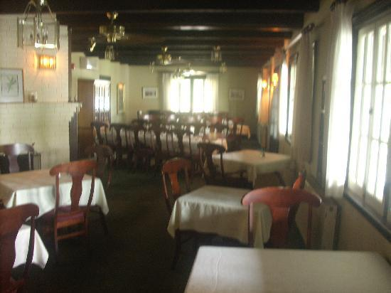 dining room durning the day