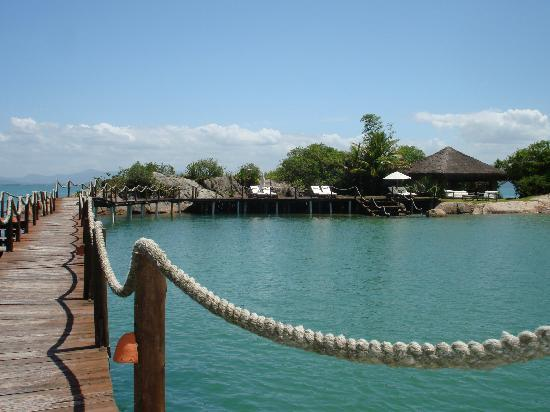 Ponta dos Ganchos Exclusive Resort: The bridge to the private island