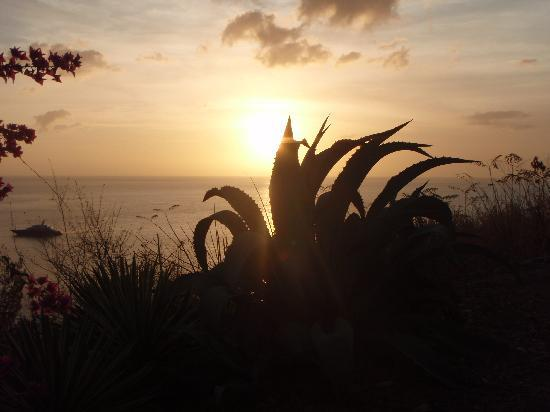 bahía de Marigot, Sta. Lucía: beautiful sunset views from the Inn