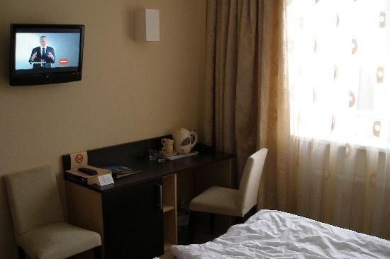 Rocca al Mare : Flat screen TV, modern design