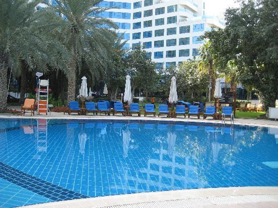 Sheraton Jumeirah Beach Resort: The pool